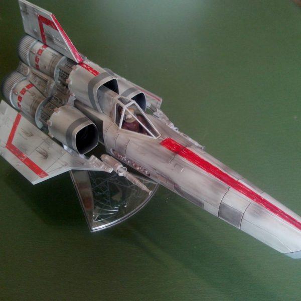 "Battlestar Galactica Colonial Viper (Classic 1978) ""Built Model"" Moebius"