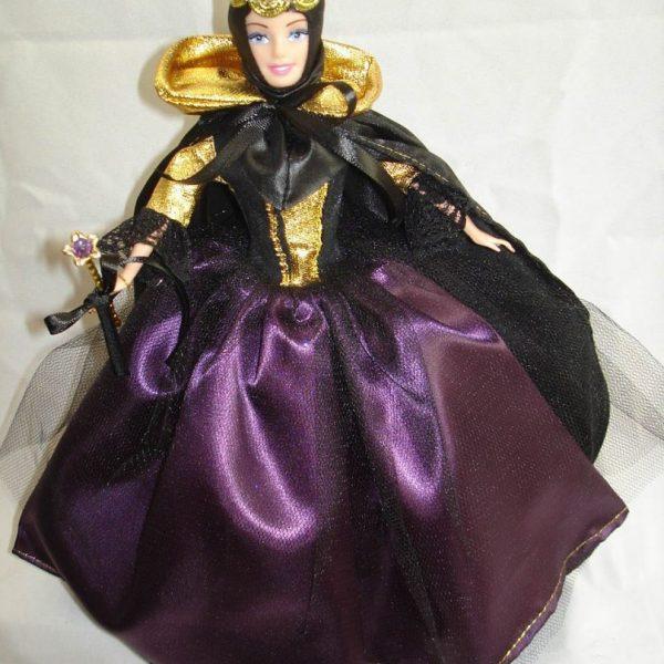 Boneca estilo Barbie Madrasta (Branca de Neve)