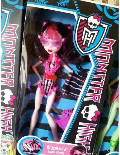 """Boneca Monster High Draculaura Make a Splash – """"Erro de Fabrica"""""""