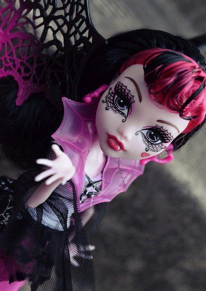 Boneca Monster High Draculaura Ghouls Rules – Assinada