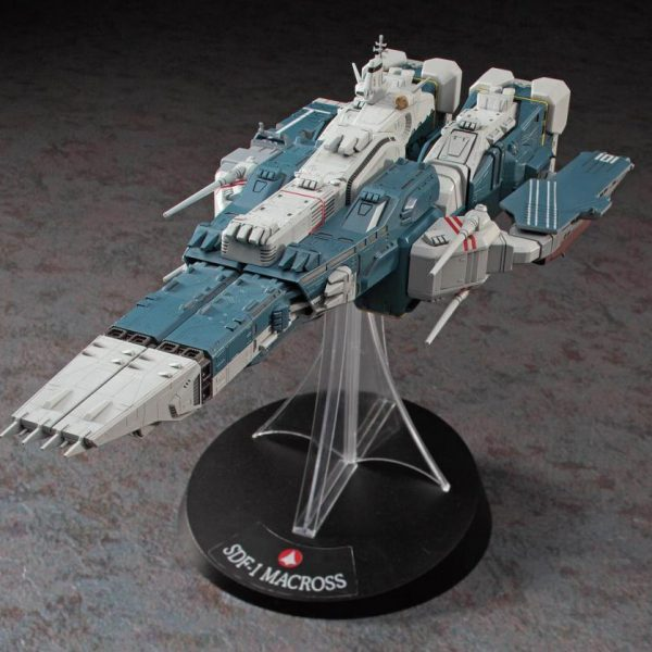Macross SDF-1 Limited Edition Model Kit Hasegawa