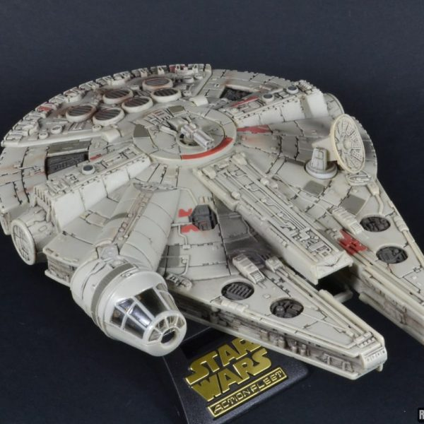 Star Wars Millenium Falcon Action Fleet Galoob