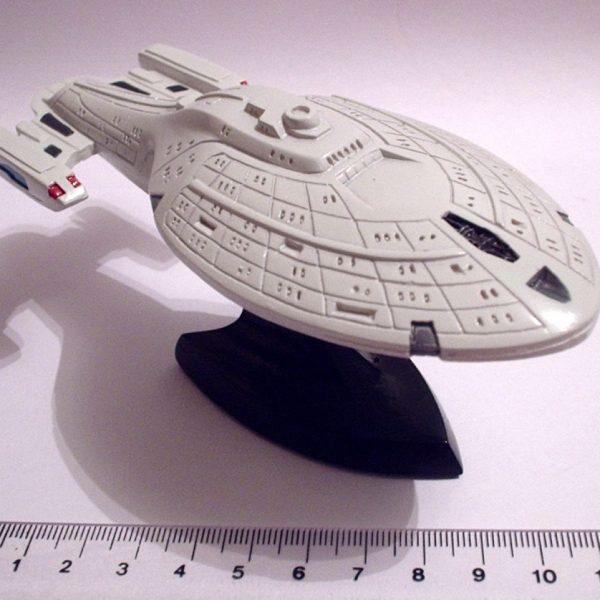 Star Trek USS Voyager Resin Model