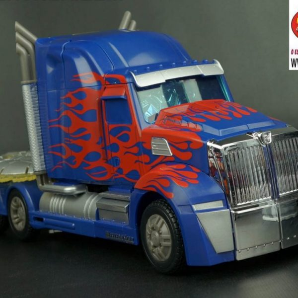 Transformers Age of Extintion Leader Optimus Prime FE Takara