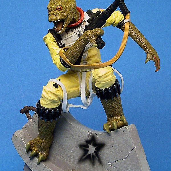 Star Wars Bossk Unleashed Statue  Hasbro