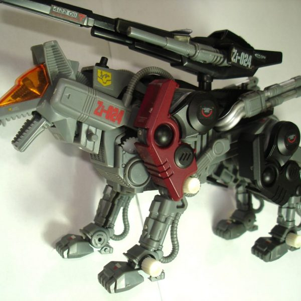 ZOIDS Shadow Wolf Model Kit Tomy