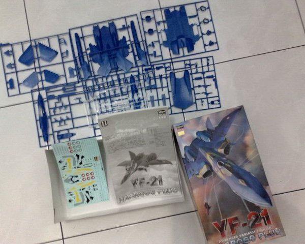 Macross Plus YF-21 Valkyrie Model Kit Hazegawa