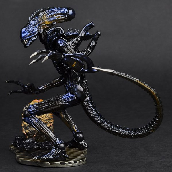 Alien Warrior Revoltech Action Figure Kaiyodo