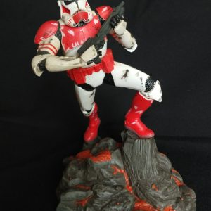 Star Wars Clone Trooper Fase-2 Unleashed Statue  Hasbro