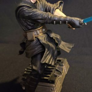 Star Wars Anakin Skywalker Duel Unleashed Statue Hasbro